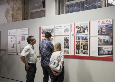 Tafeln zum Architekten Bernhard Sturzkopf und zu Crimmitschau
